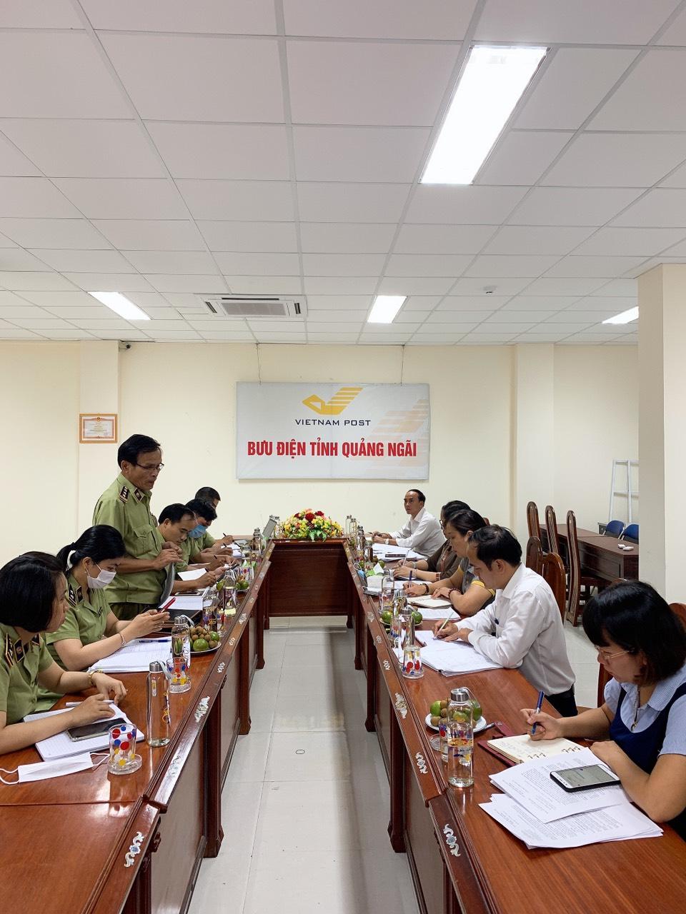 Cục Quản lý thị trường và Bưu điện tỉnh Quảng Ngãi phối hợp hỗ trợ tiêu thụ vải thiều Bắc Giang